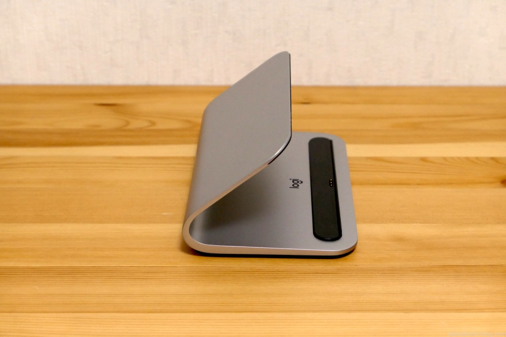 BASE for iPad Pro 9.7-inch, 10.5-inch,12.9-inch (1st and 2nd gen) Smart Connector用ワイヤレス充電スタンド