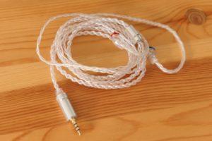 iBasso Audio AM05 付属ケーブル