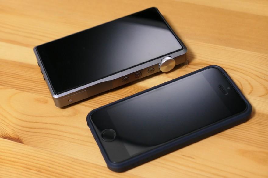 iBasso Audio DX220 大きさ比較